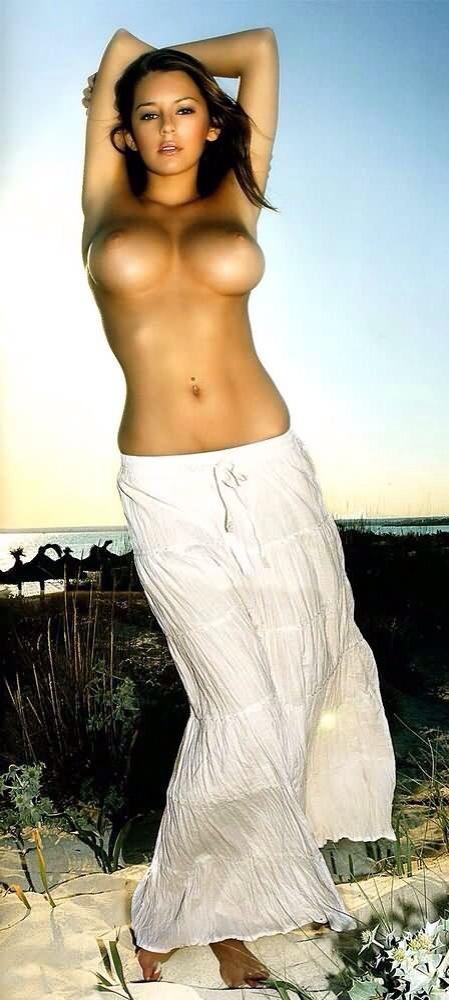 cô-gái-có-bộ-ngực-đẹp-nhất-thế-giới-08