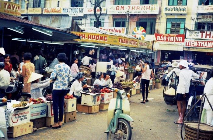 Góc ảnh khác về góc chợ Bến Thành phía cửa Bắc